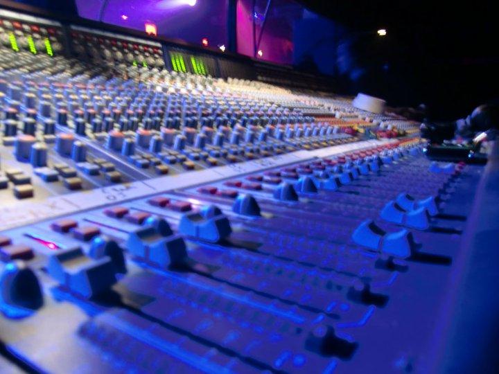 I-Shyne Web & Music Services
